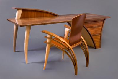 trimerous desk chair