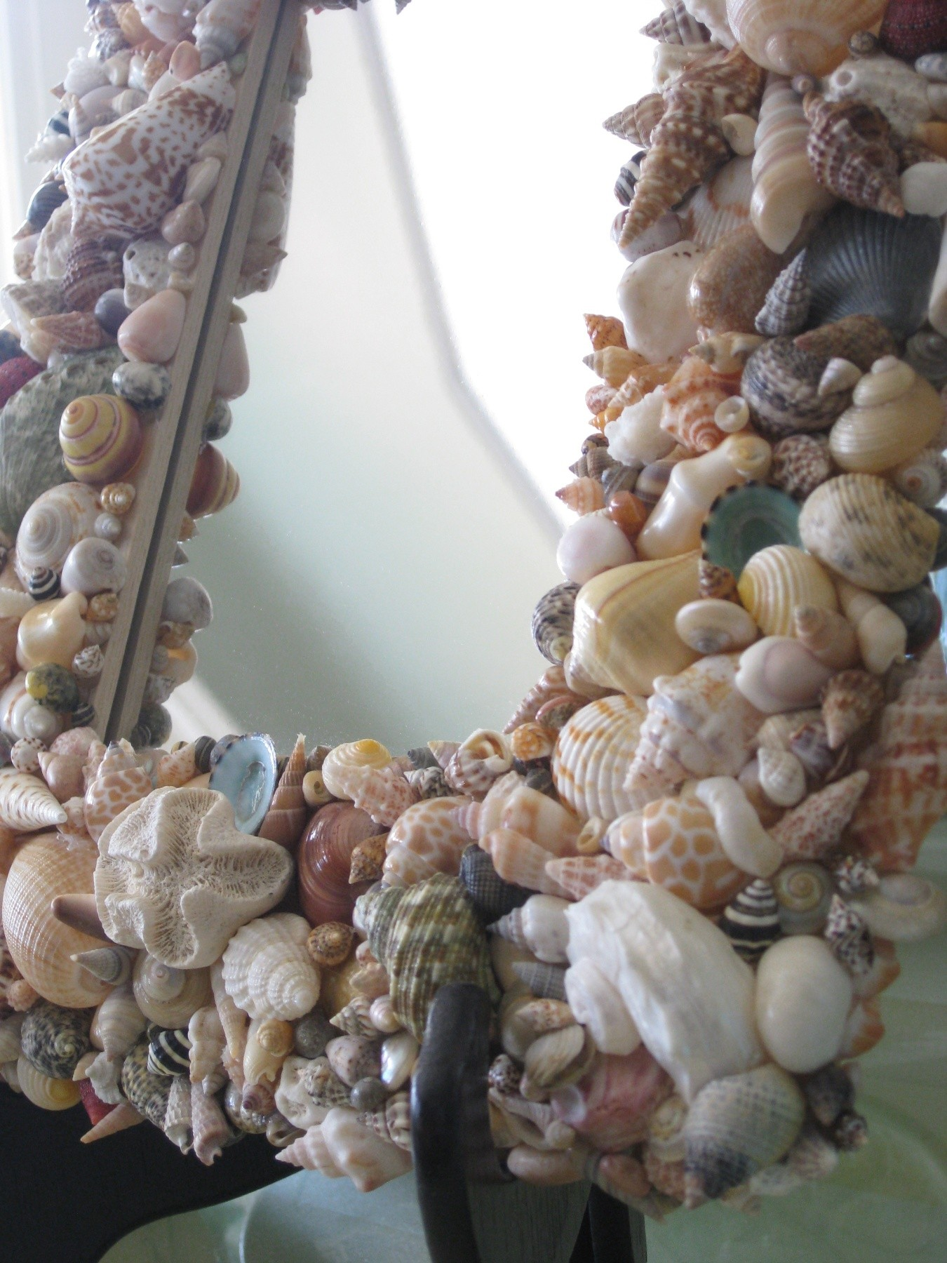 Handmade Shell Mirror -detail