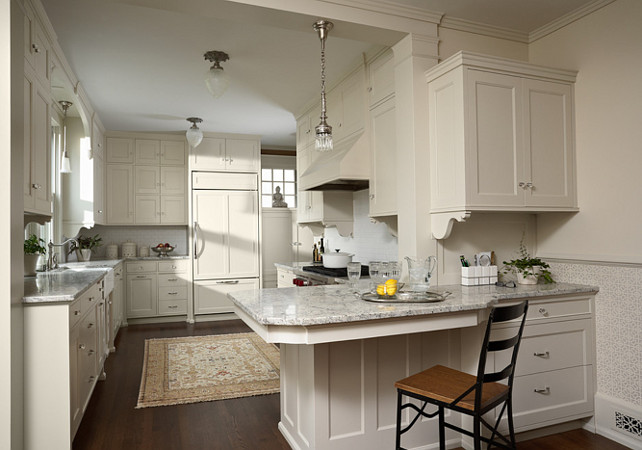 traditional off white kitchen David Heide Design Studio