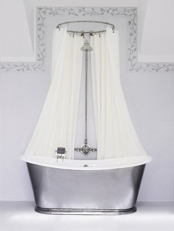 The Water Monopoly Bateau bathtub