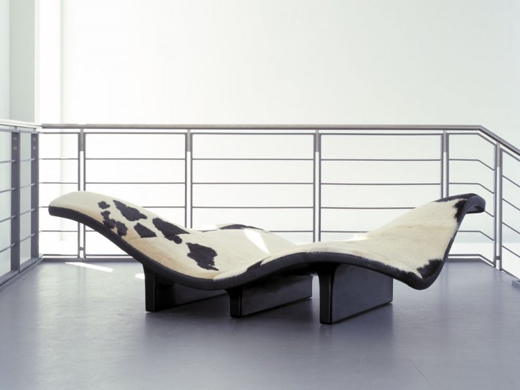 Erik Jørgensen Waves sofa, black and white