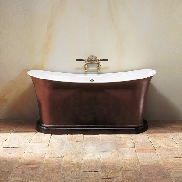 Empire bathtub on plinth